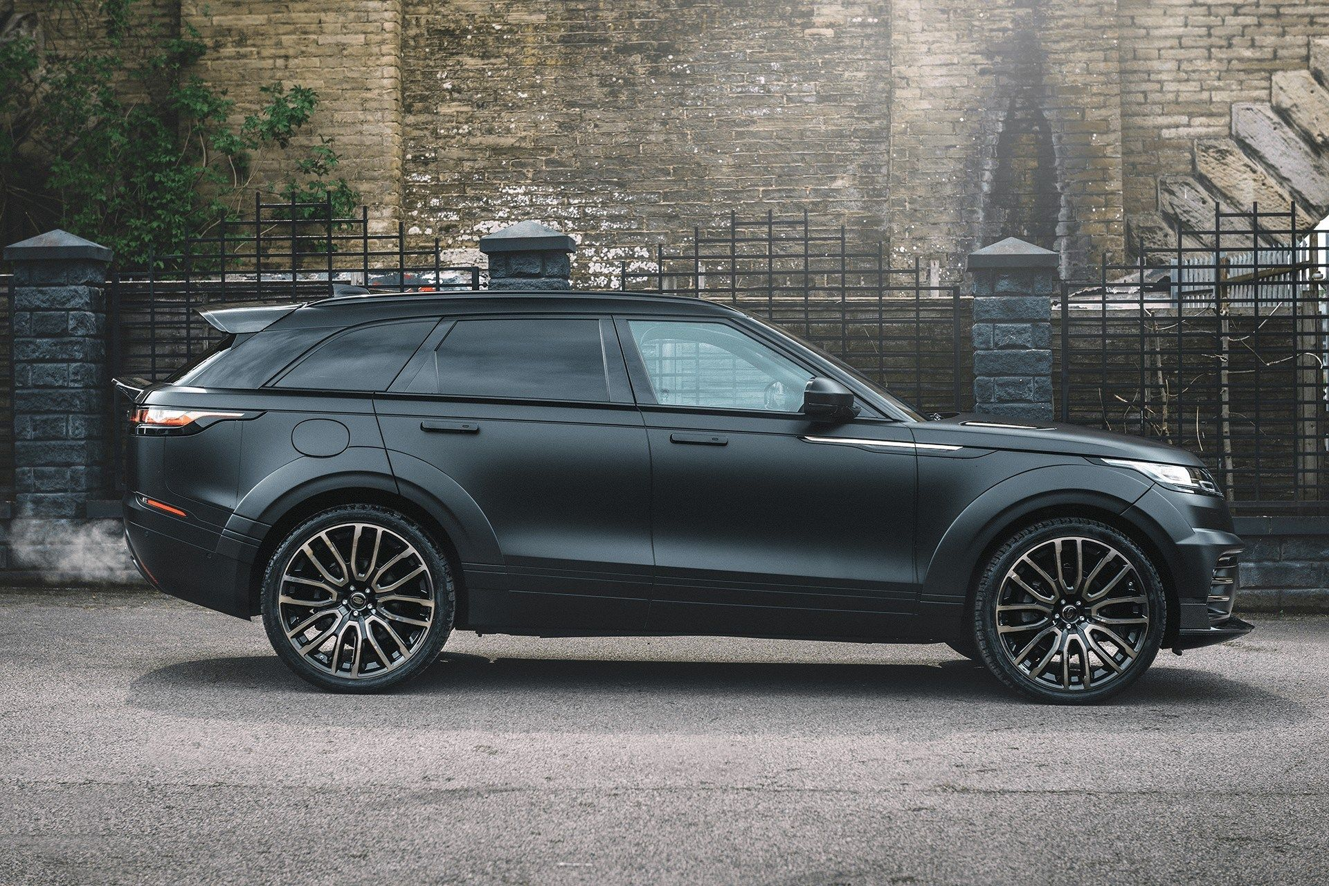 Command the Road with Project Kahn Range Rover Velar P300