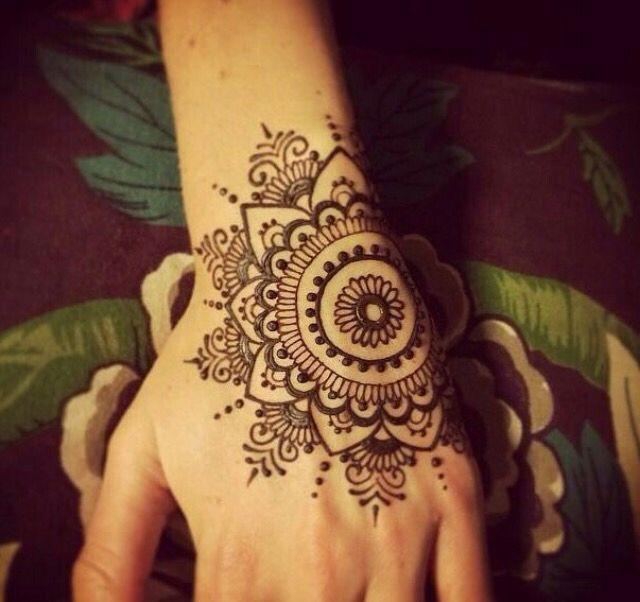 Pin By Sarah On Henna Henna Designs Henna Mehndi Designs