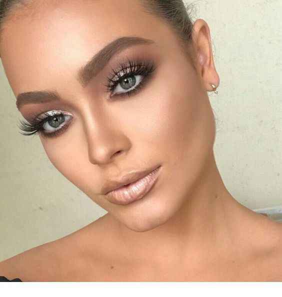 Photo of Silver Eye Makeup und Naked Lipstick Inspirational Women #eyes #women #inspire …