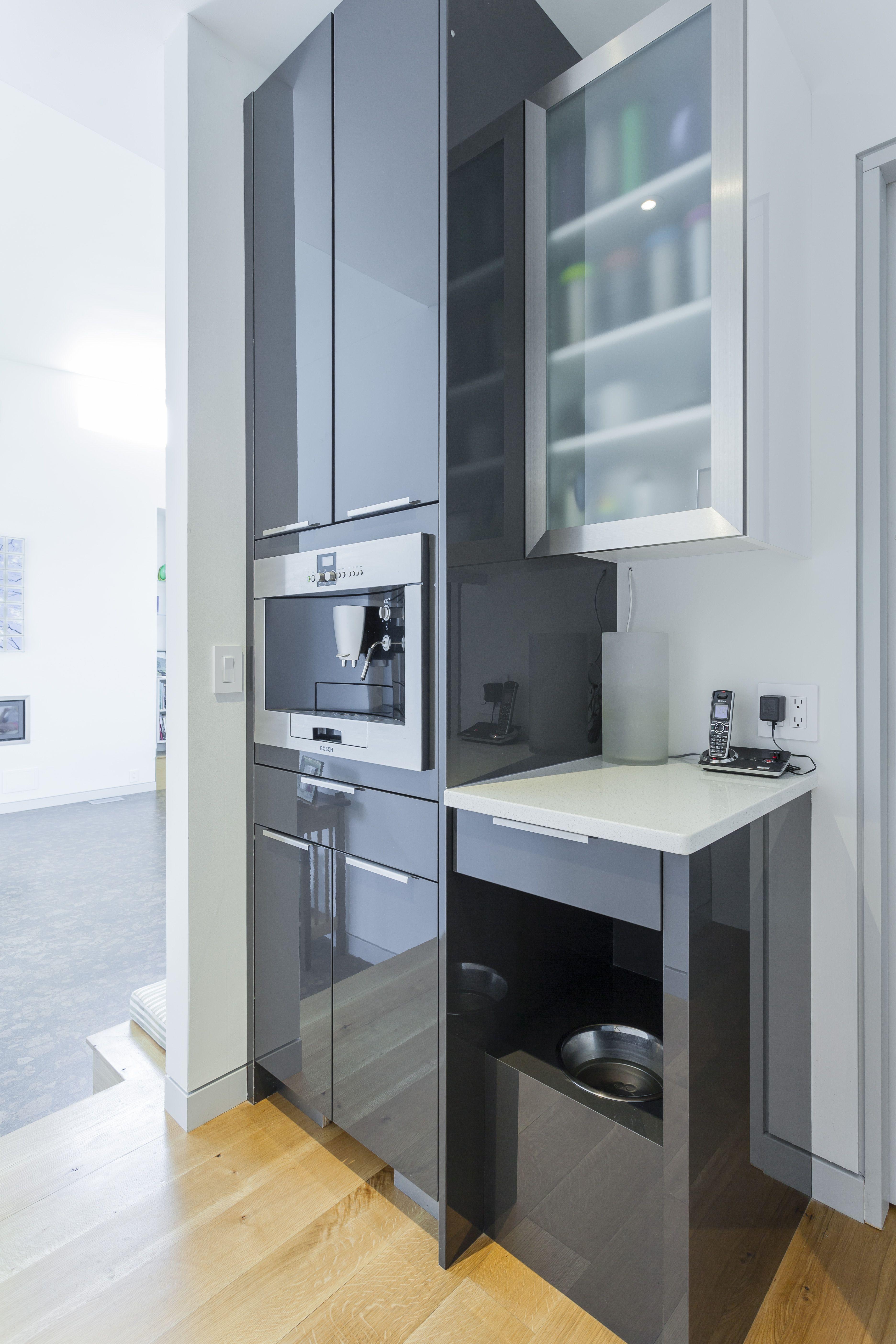 Elmwood Cabinetry Bosch Appliances Back Kitchen Large Walkin Pantry Dog Food Niche Contemporary Kitchen Modern Cabinets Kitchen Living