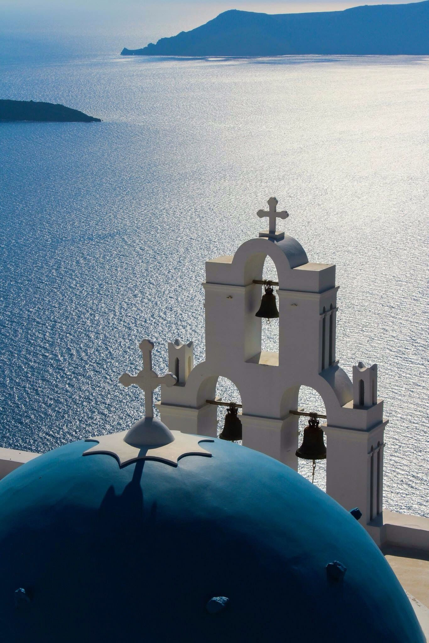 church in firostefani santorini mundo santorini. Black Bedroom Furniture Sets. Home Design Ideas