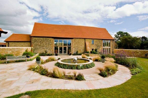 Scheune umbauen  ehemalige scheune haus umbau england brunnen hinterhof | cottage ...