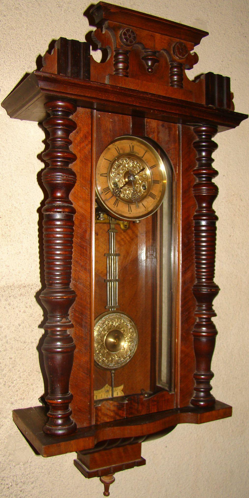 Antiguo y suntuoso reloj de pared relojes de pared y pie for Replicas de muebles antiguos