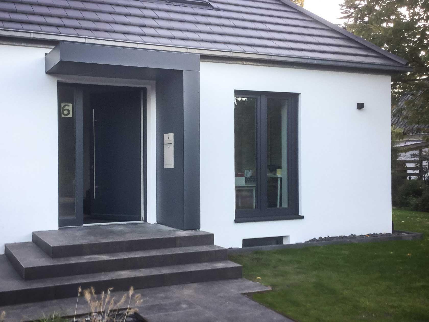 #Vordach #Eingangsüberdachung #Haustürüberdachung #Siebau #Vordach für Haustüren #terassegestalten