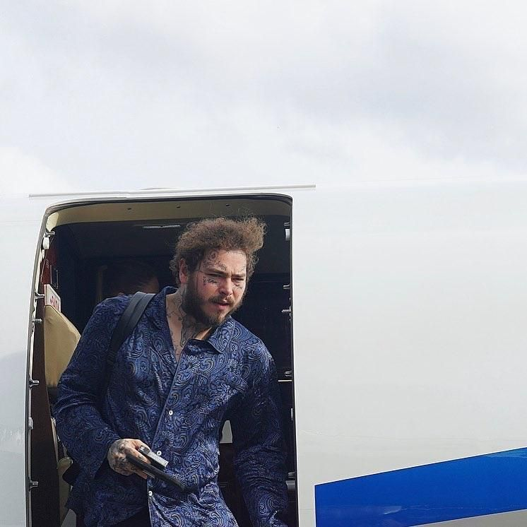PsBattle: Post Malone Getting Out Of A Plane #interesting