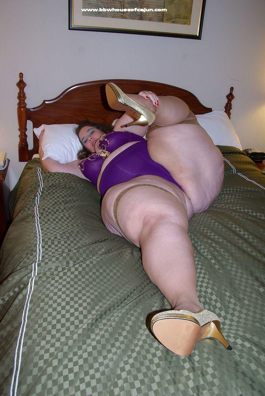 nude naked milf mature squatting