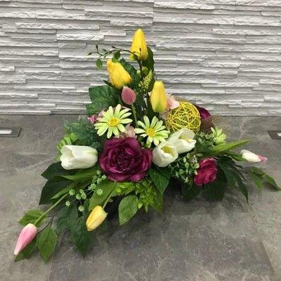 Znalezione Obrazy Dla Zapytania Wiosenne Kompozycje Na Cmentarz Flower Arrangements Casket Flowers Funeral Flowers