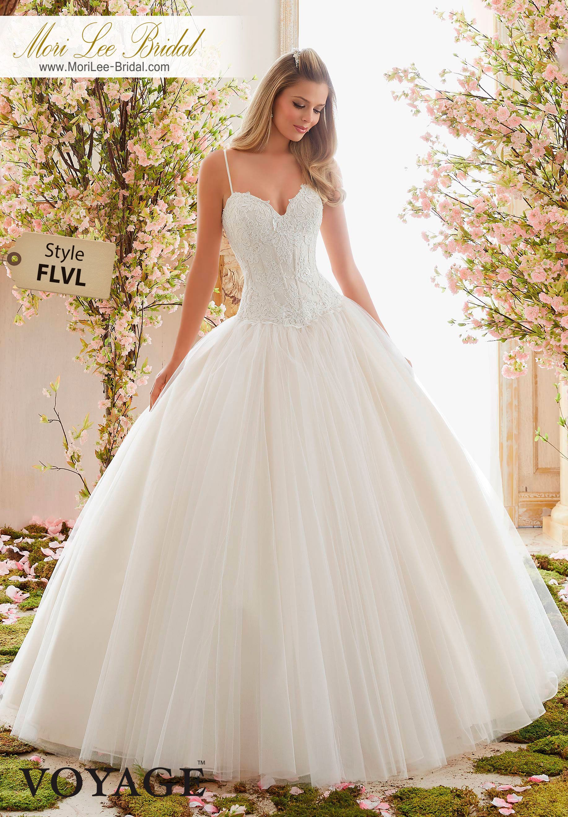 Dress style flvl alencon lace appliques over chantilly lace on tulle