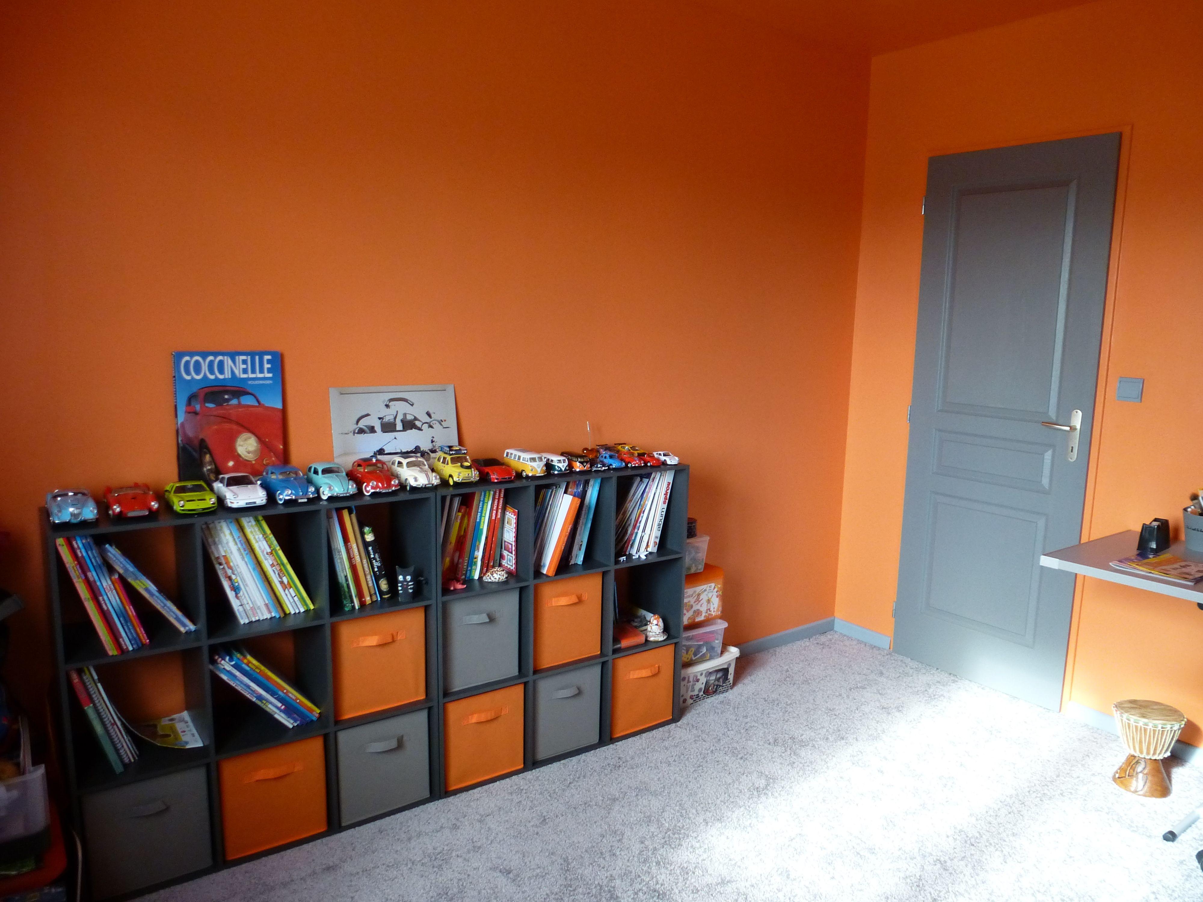 Chambre ado grise et orange | Chambre ado orange et grise théme vw ...