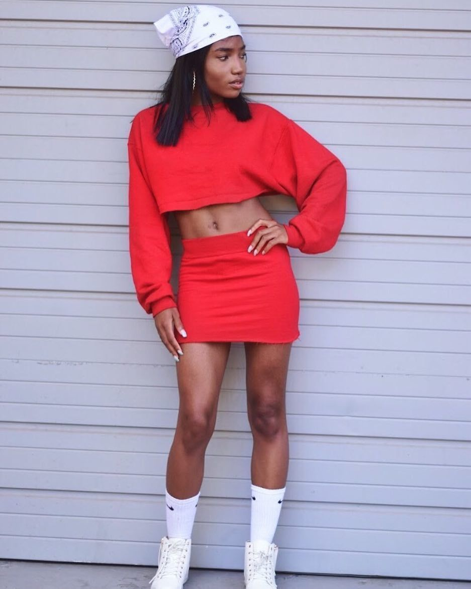 5c00b04ec 3 Easy AF Ways to Make a Crop Top With Stuff You Already Have | Cute ...