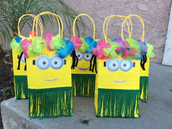 6 minion luau theme party favor bags 6 despicable. Black Bedroom Furniture Sets. Home Design Ideas