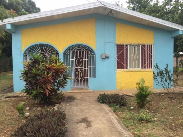 This Two Bedroom One Bathroom House Sits On A Well Fruited Lot Spanning Over 15 000 Square Feet Though Situated In A Qu Renting A House House 2 Bedroom House