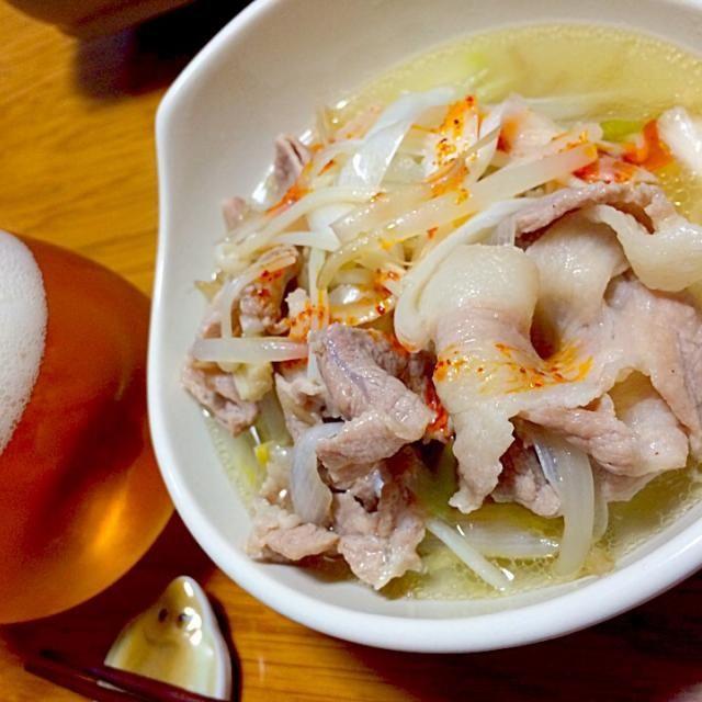 こんな感じに出来上がりました  間違いなく、〆はラーメン…でも、今日は麺が無い - 89件のもぐもぐ - 味覇鍋…こんな感じ by furyu