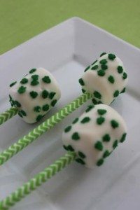 Celebrate St Patrick's Day with these fun marshmallow pops! These pops are easy to make and your leprechauns will enjoy creating and eating these!