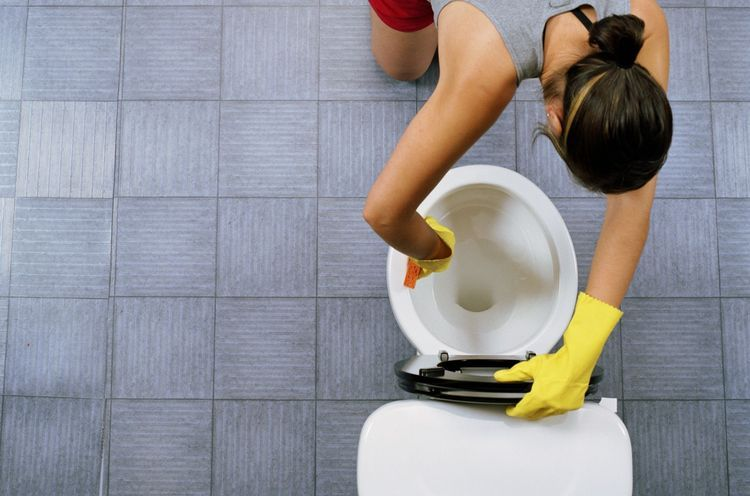 how to get rid of rust stains in toilet
