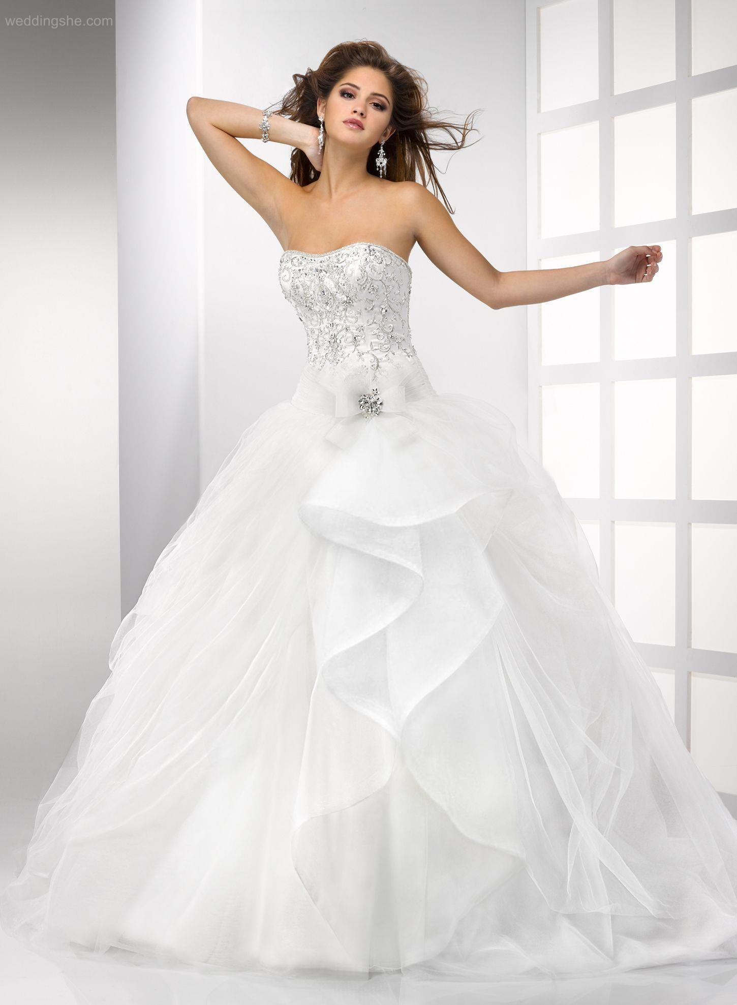 Gorgeous ball gown appliques bow floorlength laceup wedding dress
