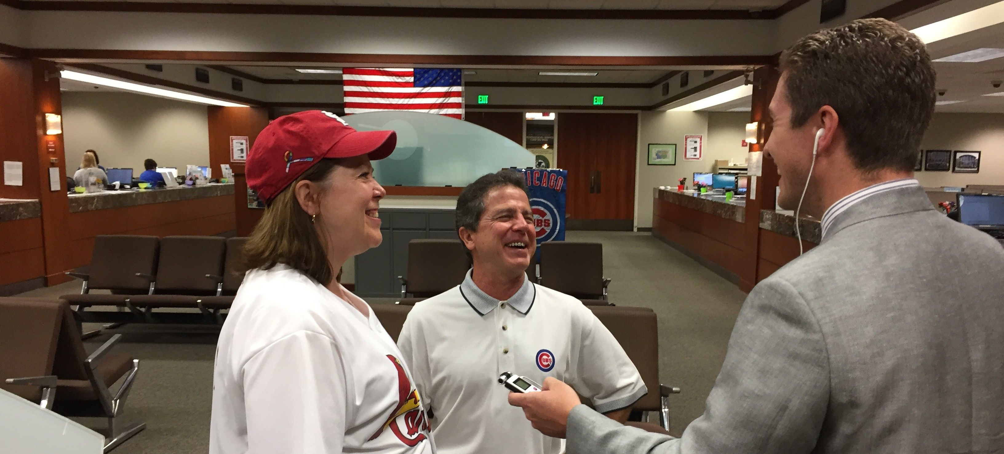 County circuit clerks' Cubs-Cardinals bet causes good-natured DuPage, Moultrie commotion - http://ilnews.org/10221/county-circuit-clerks-cubs-cardinals-bet-causes-good-natured-dupage-moultrie-commotion/