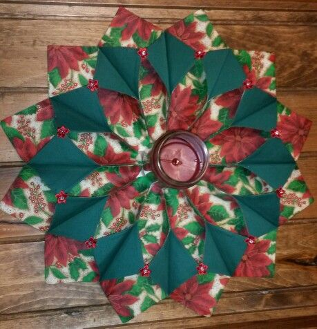 Fold n Stitch Wreath - ( photo only) | SEWING | Pinterest ...