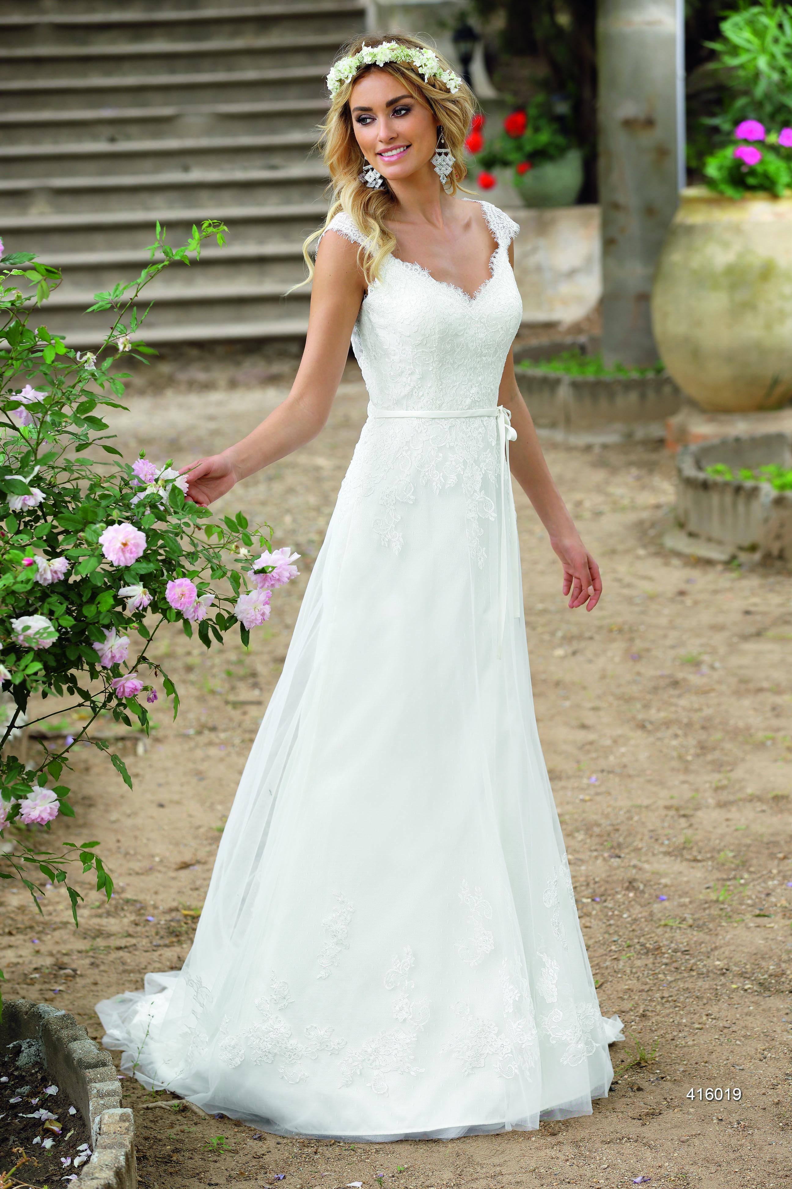 Ladybird Brautkleider 2016 - bei uns erhältlich | little white dress ...