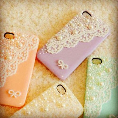 "...not sure where these ""DIY Phone Cases""  are in this post, but these are beautiful cases."