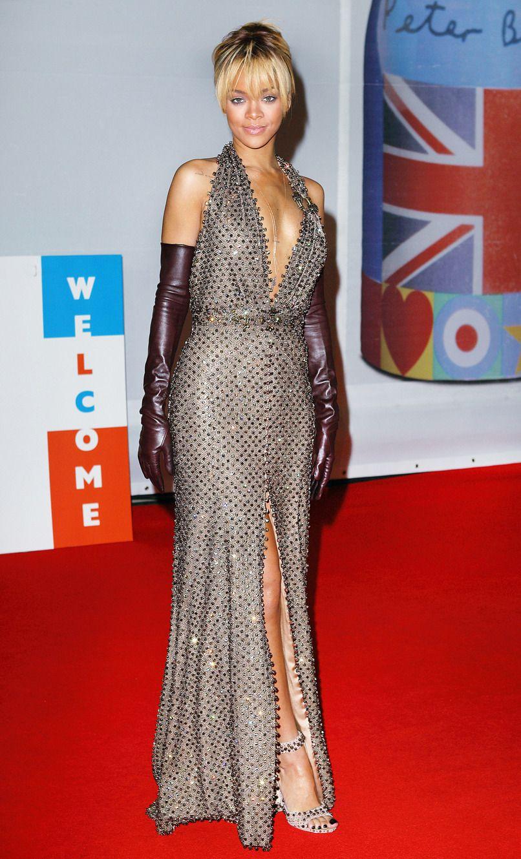 The Rihanna Look Book | Rihanna looks, Rihanna red carpet ...