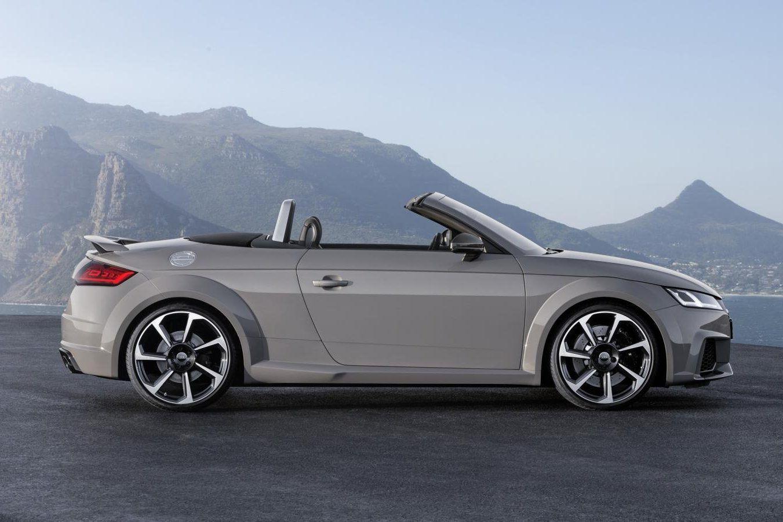 Mini R8 Knallen Met Nieuwe Audi Tt Rs Coupé En Roadster