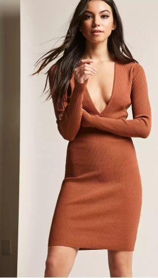 2018 MidiKleider, Geripptes Kleid mit tiefem V-Ausschnitt | Sexy und ...
