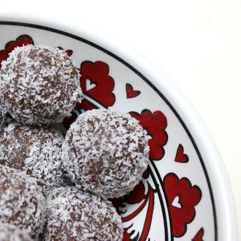 Schoko-Chia-Bällchen #Energyballs #Energybites Chocolate