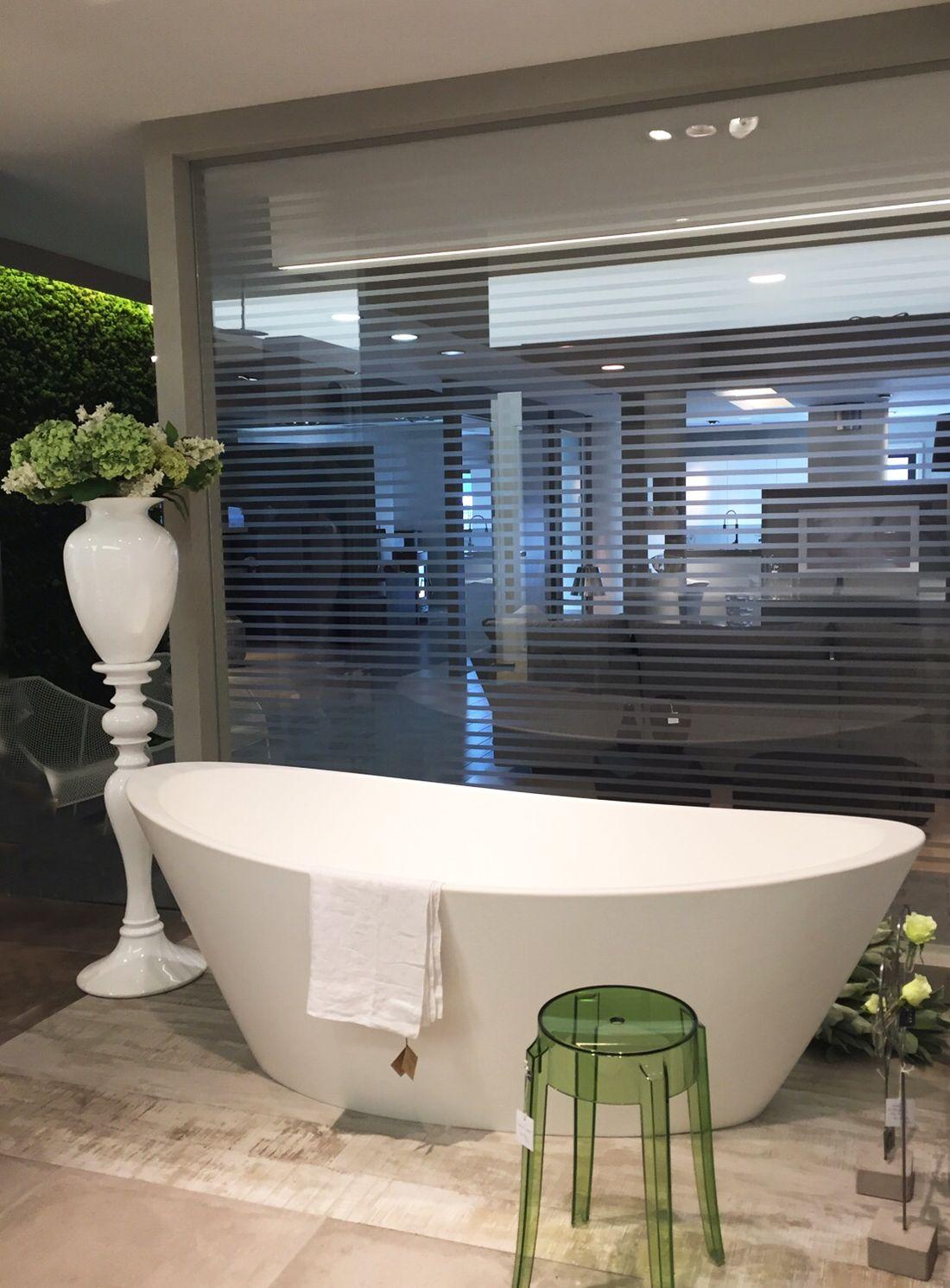 #Classe e #raffinatezza... ORIGINE #vasca centrostanza. Grazie Gagliardini Srl. ___ #signconcept #design #madeinitaly