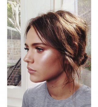 20 coiffures faciles à faire soimême en moins de cinq