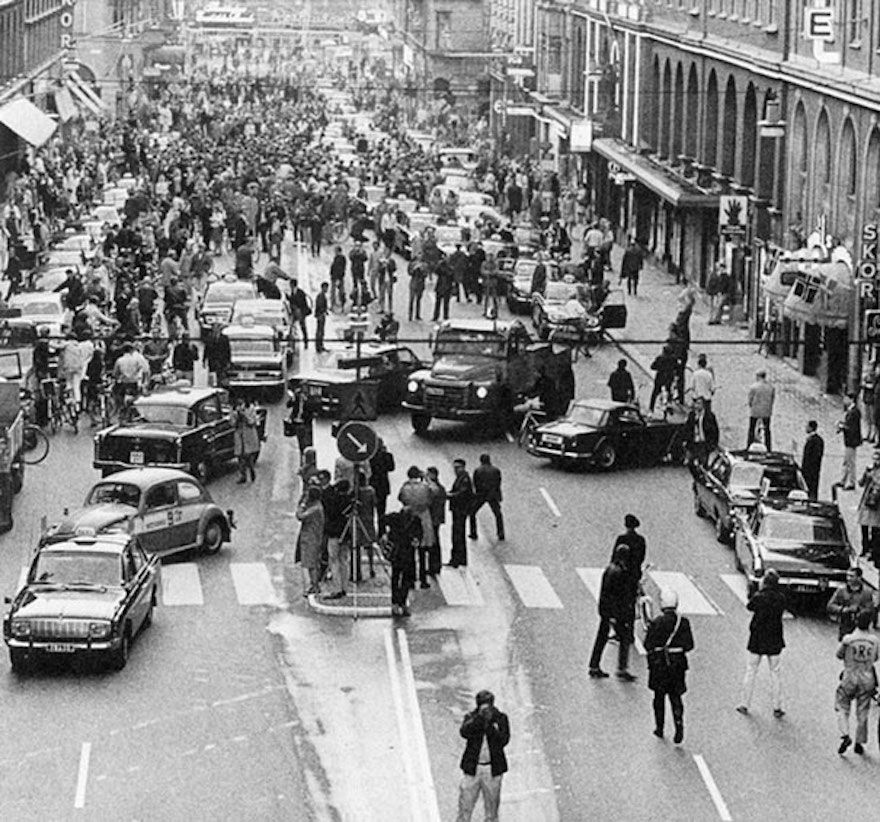 This is what the streets looked like the first day Sweden changed which side of the road drivers were to use in 1967.