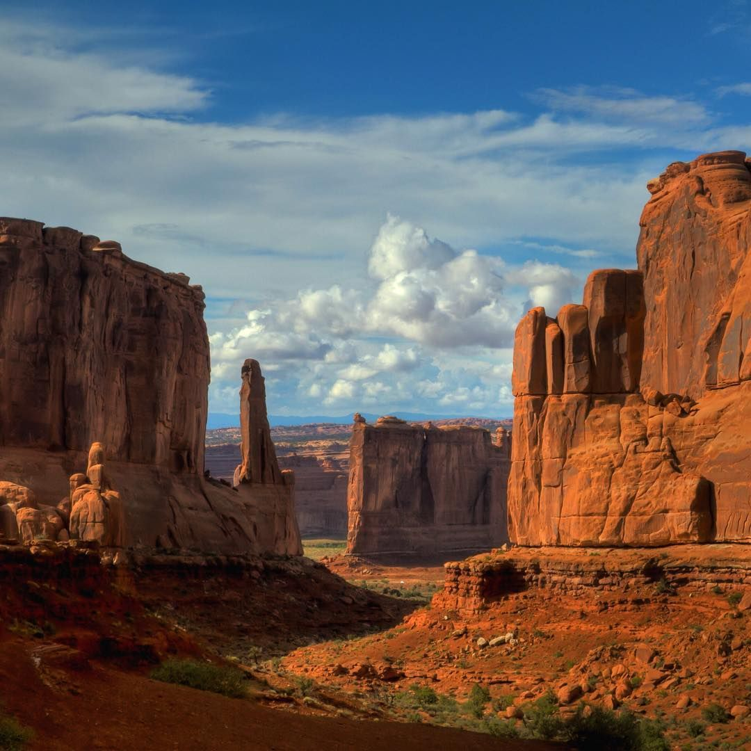 Park Avenue Trail in Arches National Park, Bud Walley photo, Department of Interior image