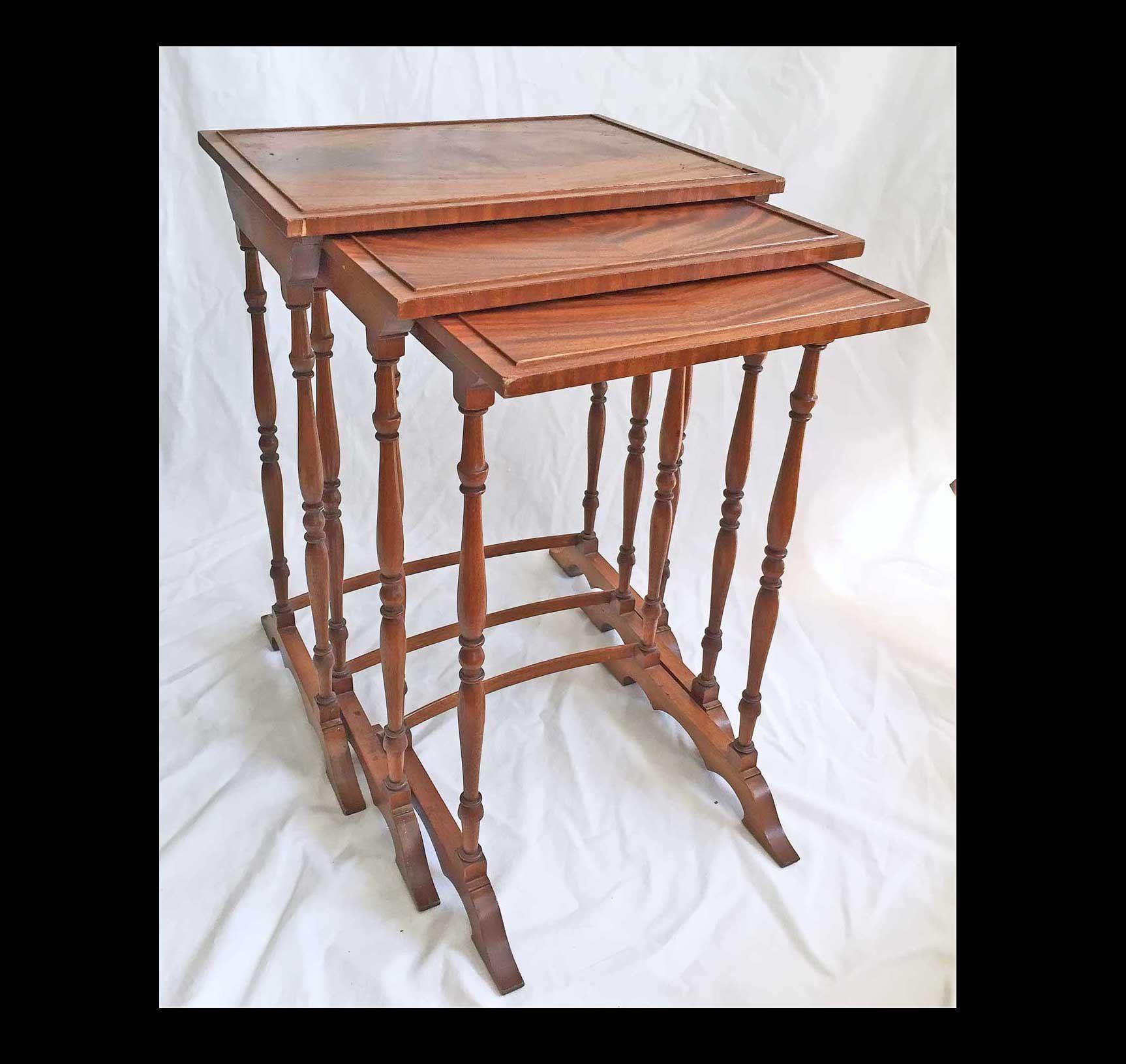 Hollywood Regency Antique Vintage Set 3 Nesting Wood Side Antique Table Side Coffee Table Table