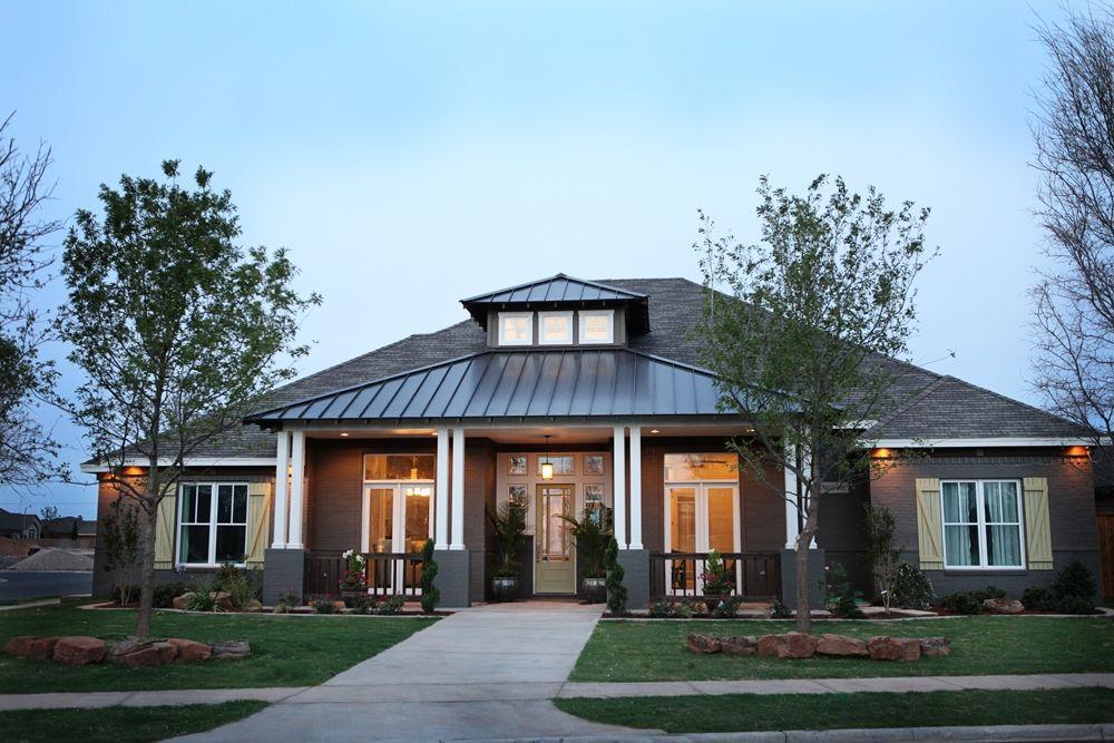 Patio awning (Jordan Wheatley Custom Homes Lubbock
