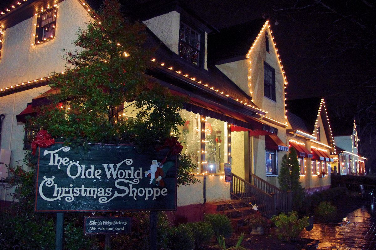 Christmas Shopping Biltmore Village In Asheville Nc