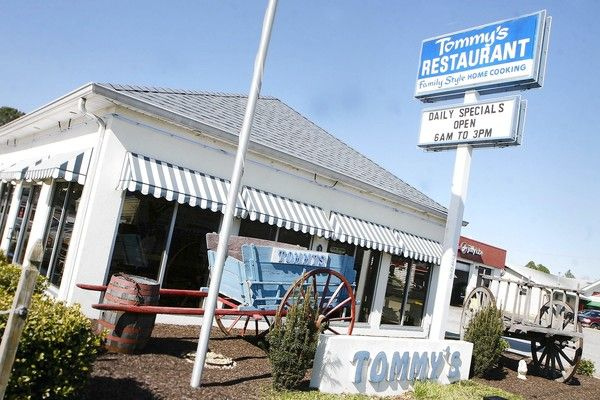 Tommy S Restaurant In Hampton Casual Diner Serving American