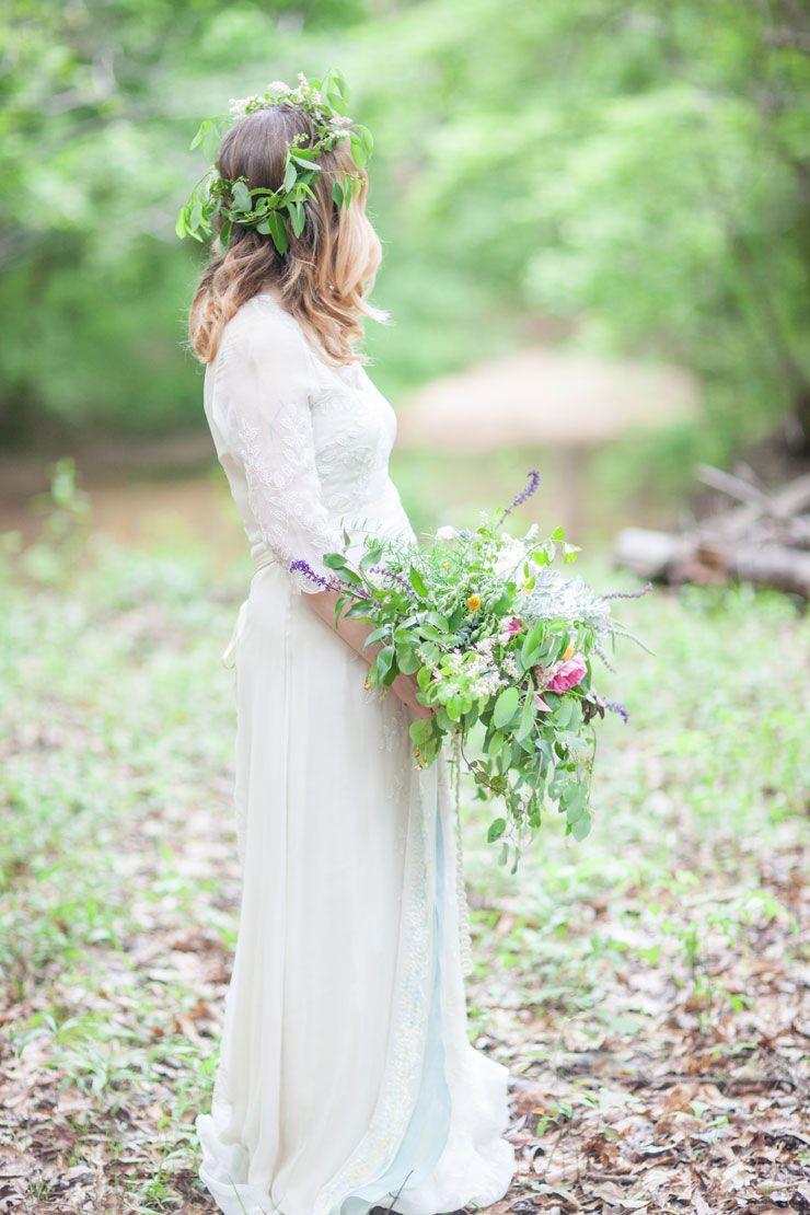 A Saja Wedding Dress for a Beautiful Bohemian Elopement Inspiration ...