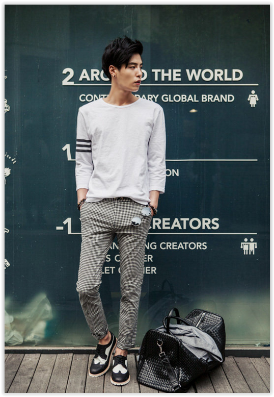 7cff3aa1ff1a All Korean Fashion items up to 70% OFF! TOMONARI - Round-Neck 3 4-Sleeve  T-Shirt  3 4sleeve  men sfashion