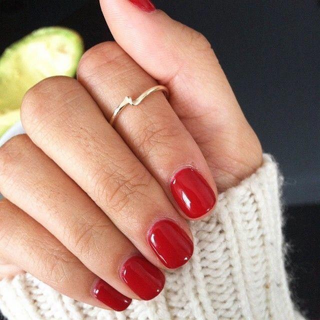 Photo of Rote Maniküre mit Design für kurze Nägel Nägel, Nägel Acryl, Nägel fallen, Nägel …