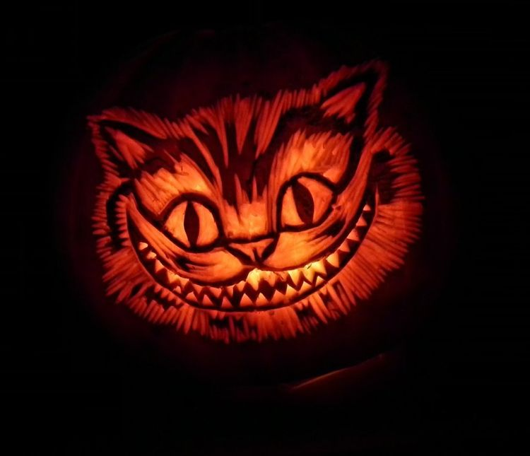 Grinsekatze Kurbisgewachs Zu Halloween Schnitzen Ideen Und Schnitzvorlagen Kurbis Schnitzen Vorlage Katze Grinsekatze Kurbis Halloween Kurbis Schnitzen