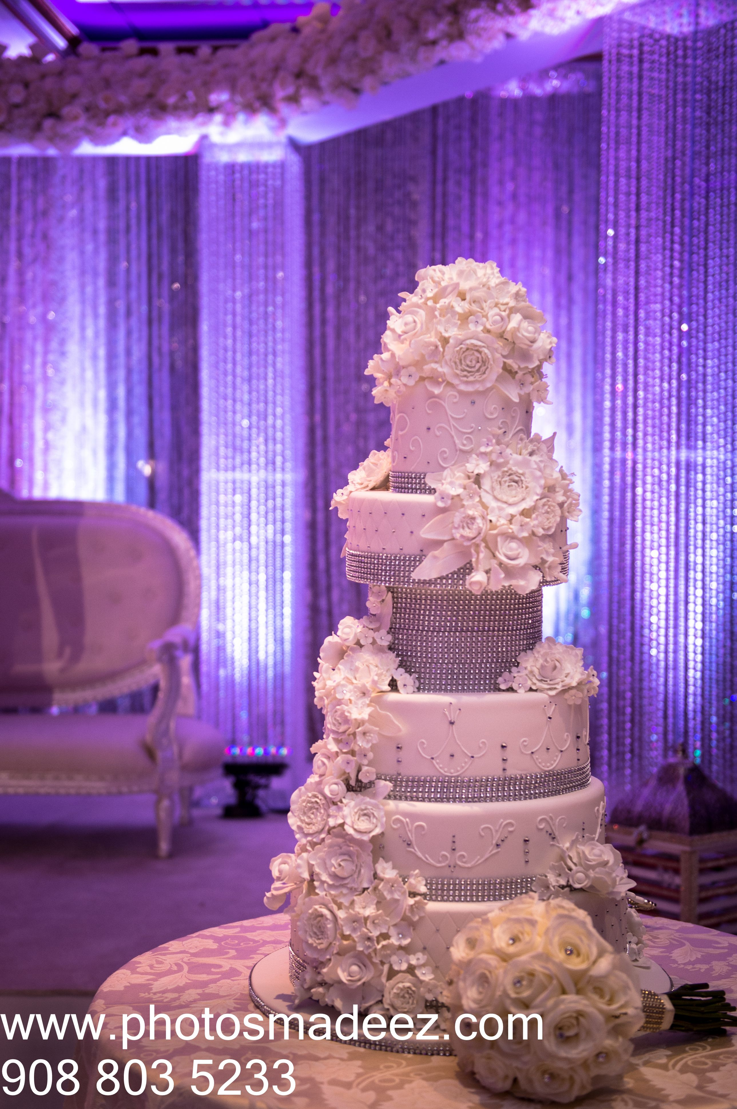 Beautiful Wedding Cake At The VIP Country Club