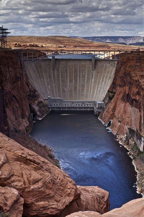 Glen Canyon Dam - Page, Arizona, USA (by Rich Capture)