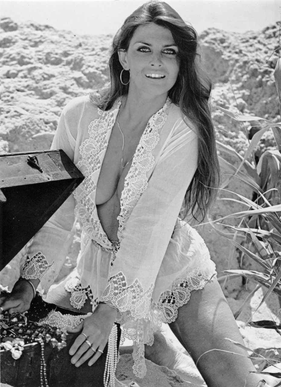 Caroline Munro (born 1949) Caroline Munro (born 1949) new photo