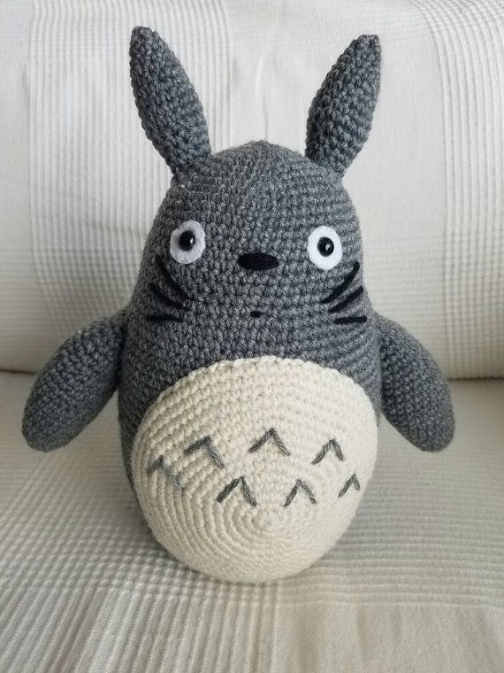 Crochet amigurumi Totoro plush CraftyAnnaClaire https://www.etsy.com ...