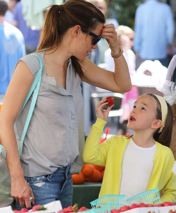 Jennifer Garner takes her daughter Seraphina with her as the two enjoys some lovely mother-daughter quality time
