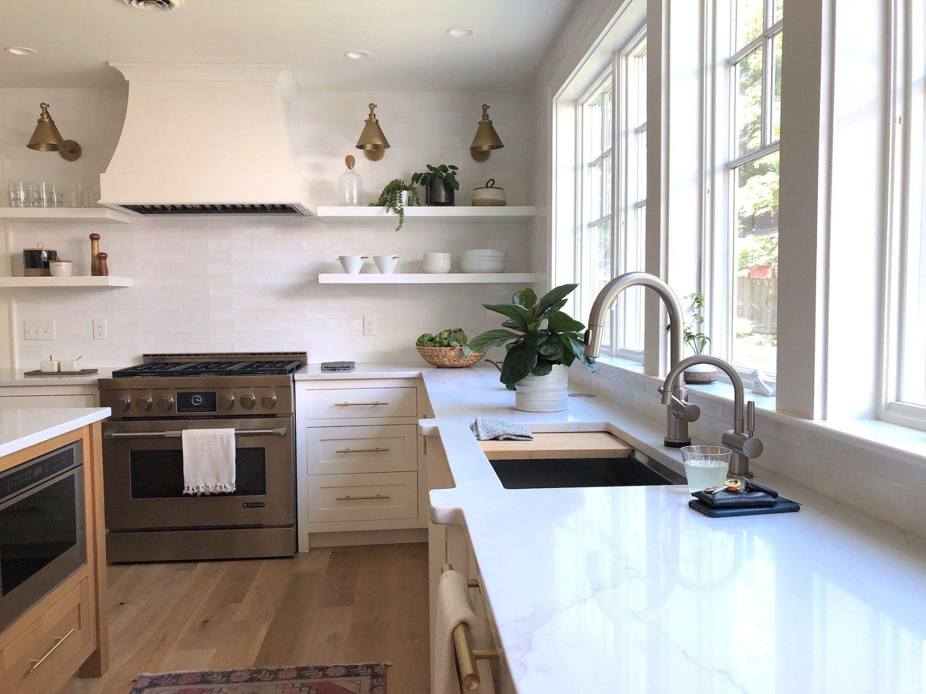 Mid-Size Stylish Kitchens - Newburyport Kitchen Tour Pt. 2 - Linda Merrill | Stylish Kitchen, Kitchen Cabinet Design, Cabinet Design