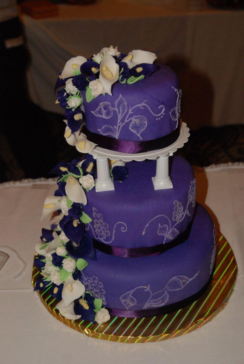 Round Purple Wedding Cakes