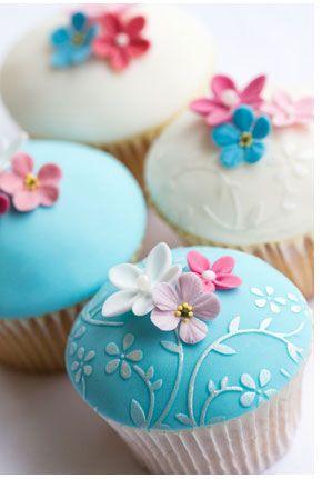 Flowers Cupcakes Beautiful Cupcakes Fondant Cupcakes Pretty Cupcakes