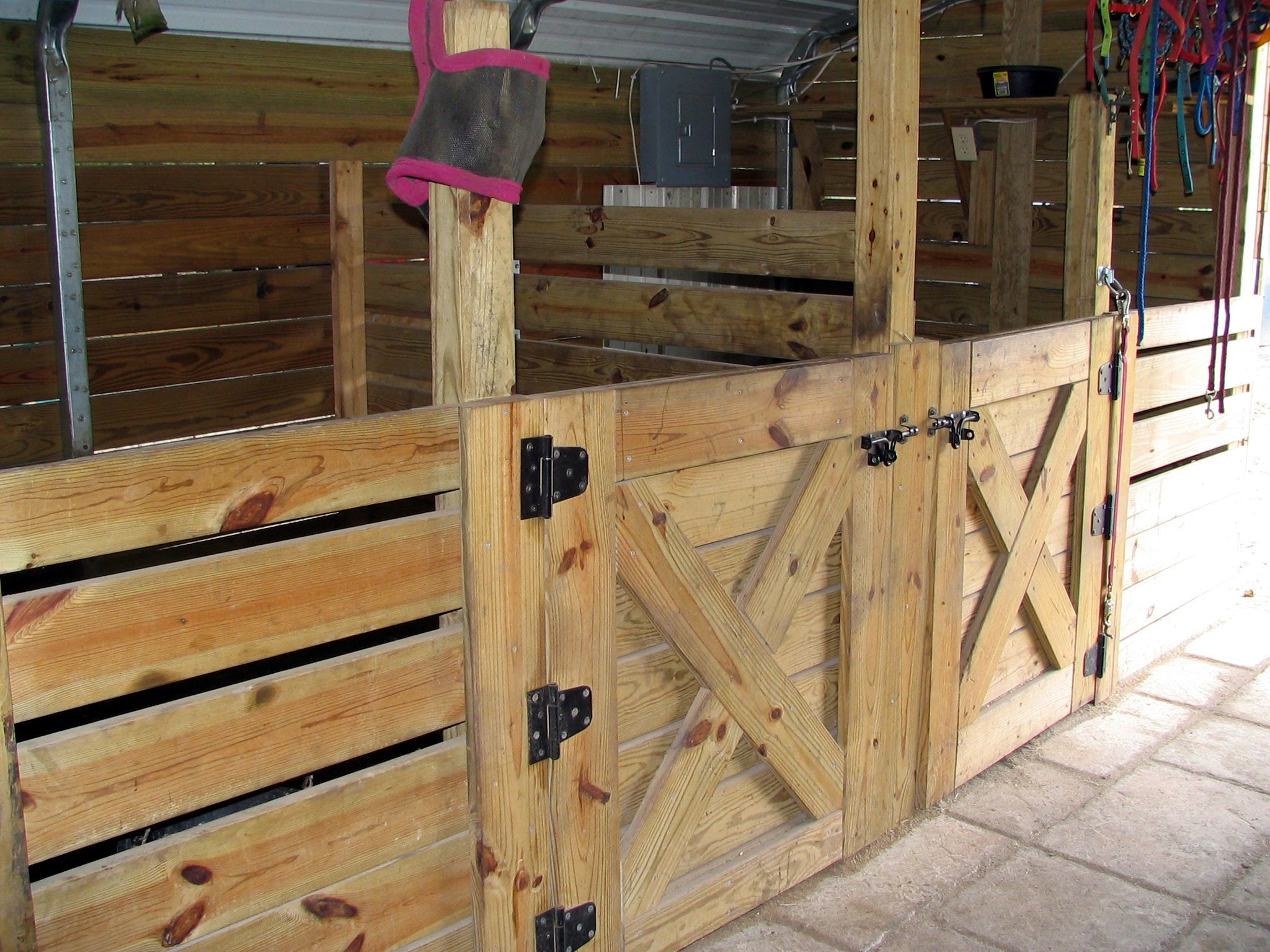 Simple horse stall google search at the farm for 8 stall barn plans