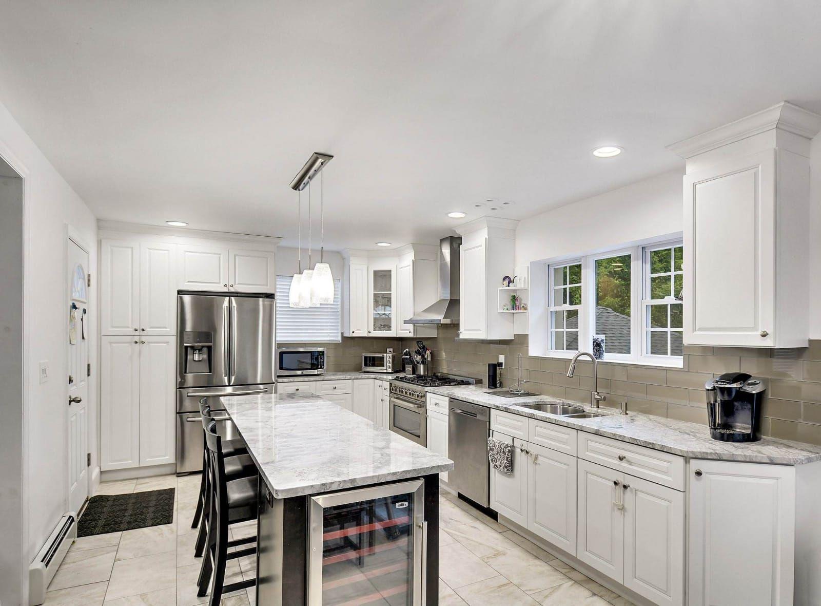 Super White Quartzite Everything You Need To Know White Kitchen Design Super White Quartzite White Quartzite Kitchen